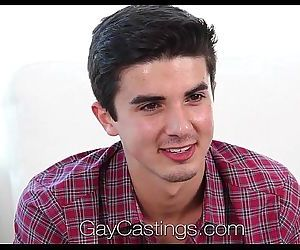 HDGayCastings Amateur guy takes..