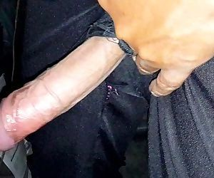Pantalón de policia roto