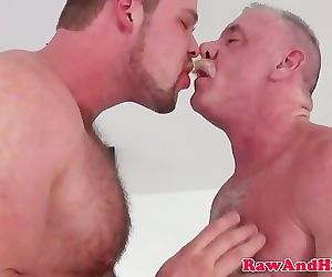 Young bear barebacks daddy with..