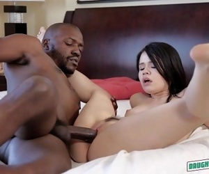 Nami Dahlia and Yhivi Get Fucked