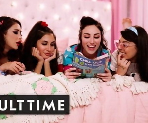 GIRLCORE Teen Lesbians Just Wanna..