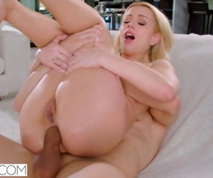 TUSHY Lexi Belle is back for her..