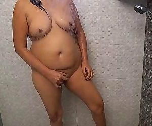 Hot Desi Bhabhi Nude Bathroom Scene 10 min HD+