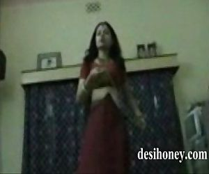 Sexy and cute Indian Nice Couple Homemade sex video www.desihoney.com - 8 min