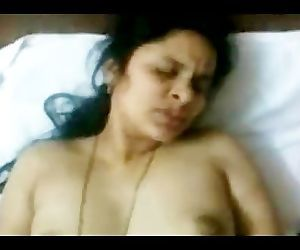 Hot INDIAN TELUGU Aunty Sudha's fucking CLIP 2