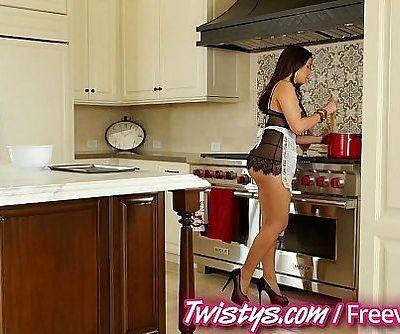 Twistys - Valentina Nappi Solo - 8 min HD