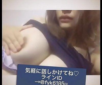 japanese kyonyuu boin gal nama onani live - 11 min