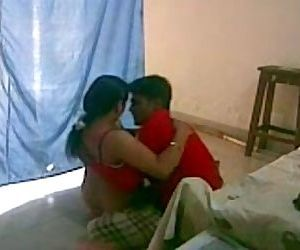 INDIAN - Bhabi having a quickie..