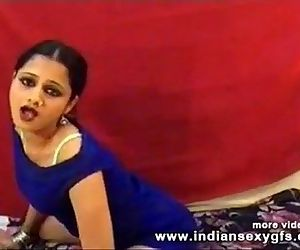 Hot Desi Anjana indian girl dance..