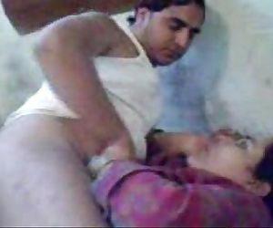 Big Paki Bhabhi - 4 min