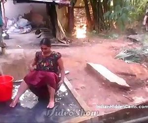 Desi Vilage Wife Open Bathing in Topless Caught by Indian..