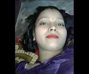 Desi Girl Fucking With coustomar with clear hindi audio..