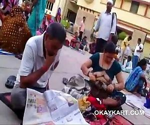 Hot desi aunty Boobs show in crowd changing blouse - 32 sec