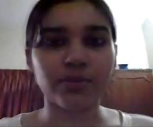 Very Hot desi girlfriend with big Boobs makes naked video..