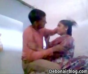 Indian Couple MMS - 5 min