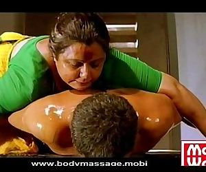 Madurai Aunty oil Massage - 18 sec