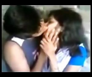 Hot Leaked MMS Of Indian And Pakistani Girls Kissing..
