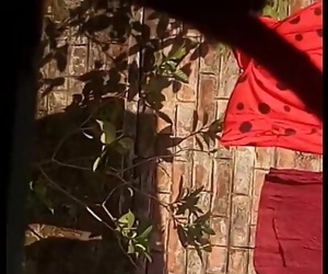 Indian-Bengali-bhabhi-nude-bath 94 sec