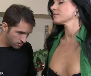 Brunette India Summer swallows cum 8 min 720p
