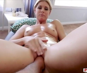 Stuffing my sexy MILF stepmom like a turkey 6 min 720p