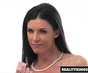 Perfect milf (India Summer) sucks stepsonReality Kings 8..