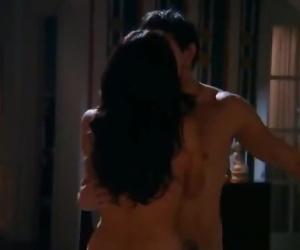 Amateur couple kissing and fucking -- Hot Amateur Teen..