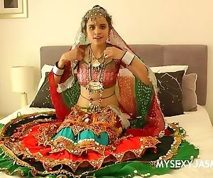 Indian College Girls Jasmine Mathur In Gujarati Garba..