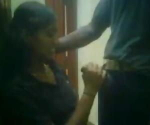 Tamil aunty handjob