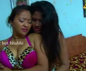 Indian Homemade Sex Videos Sexy Indian Aunty Romancing..