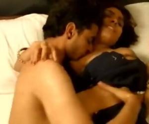 Bhabhi Ka Padosi Ke Sath Romance