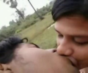INDIAN - Gf Passionate Kissing