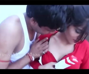 Desi Indian Bhabhi Sex with Servant- DesiGuyy