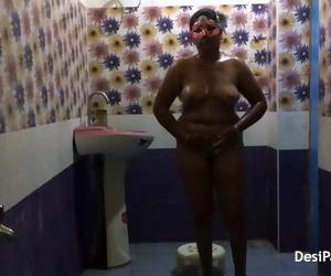 Full Desi Bhabhi Sexy in Saree Dress Indian Style Bathroom..