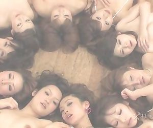 Wet Hot Ten Girl Orgy