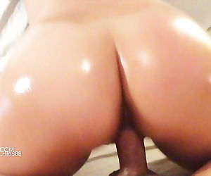 Stunning asian ass gets oiled up..