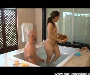 Mandi Miami Nuru Massage - 10 min