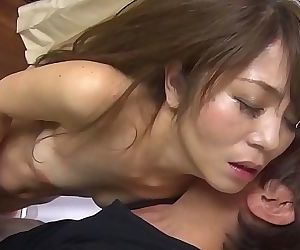 (M28)Asian mature woman..