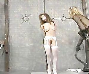 Nikki Bellen - straf van