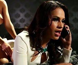 Busty Lesbian Milfs Abigail Mac and Vanessa Veracruz - 6 min HD