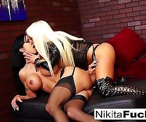 Nikita Von James and Jewel Jade fuck each other with a strap-on 7 min