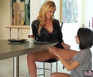 Blonde milf eats for breakfestTwistys 8 min HD