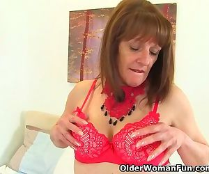 English gilf Pandora hasnt lost her appetite for orgasm