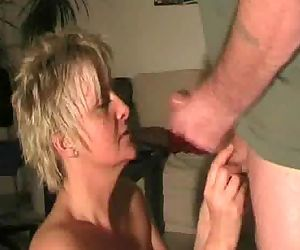 Mature gives blowjob and gets cummed on