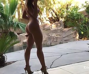 Rahyndee James sexy strip tease in yellow hot bikini!