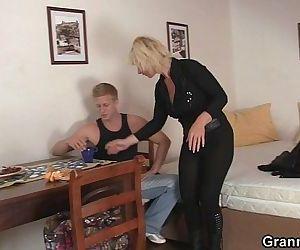 He helps mature blonde - 6 min