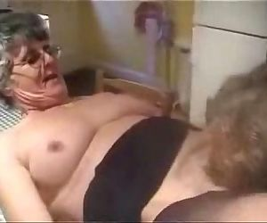 Having fun with my old slut. Real amateur granny - 2 min