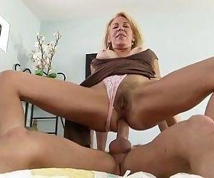 Mature Cougar Pussy Hardcore Pounding - 3 min