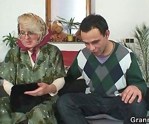 Old ma pleases a stranger - 6 min