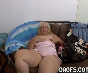 Aunt Rosa rubbing her fat cunt - 7 min