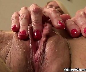 American milf Tricia Thompson needs orgasmic pleasureHD